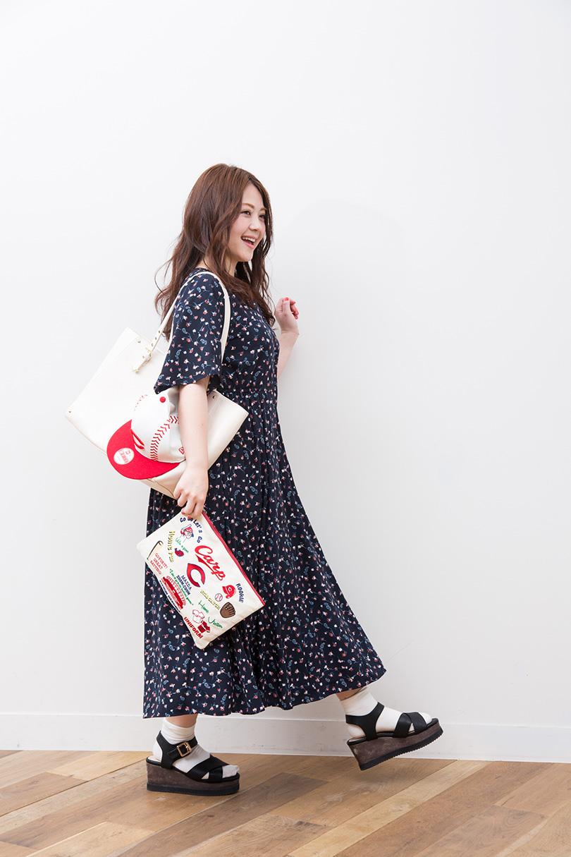カープ愛たっぷり♡ 大井智保子の観戦バッグの中身