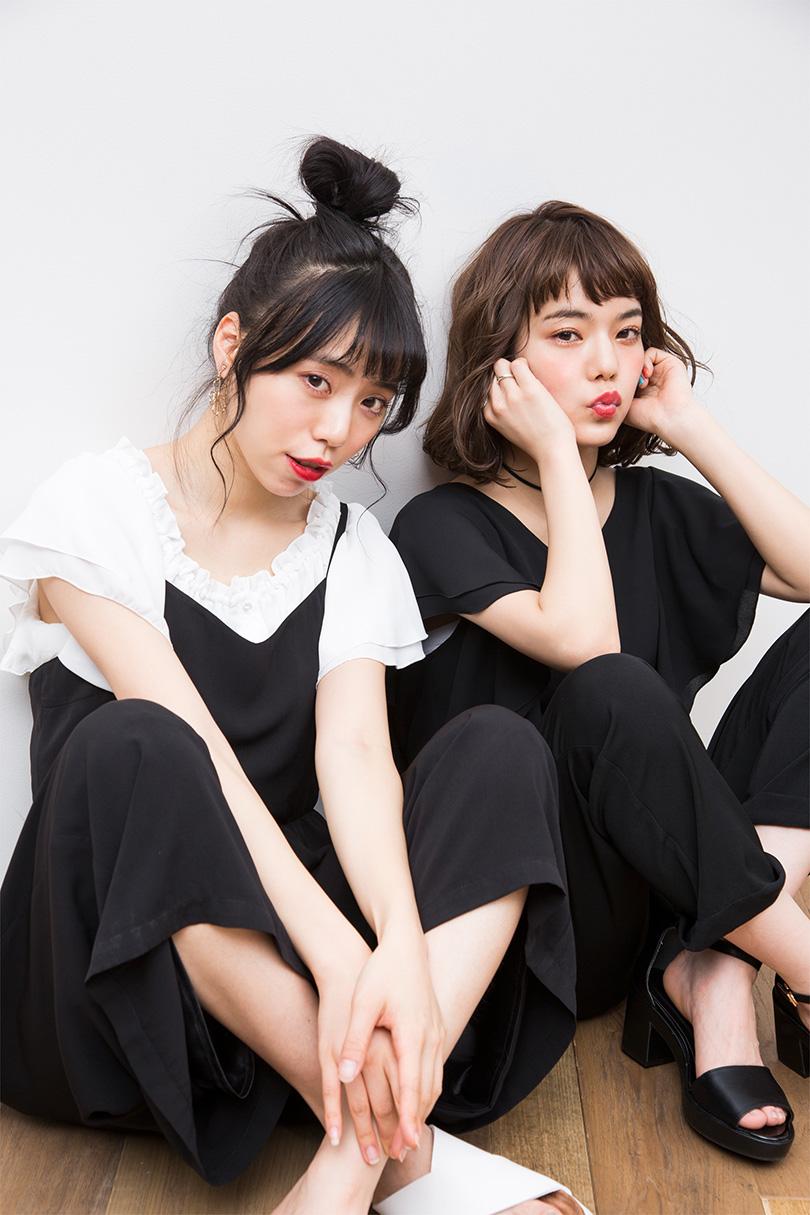 長澤メイとシンの仲良しコンビ着こなすブラックコーデ♡