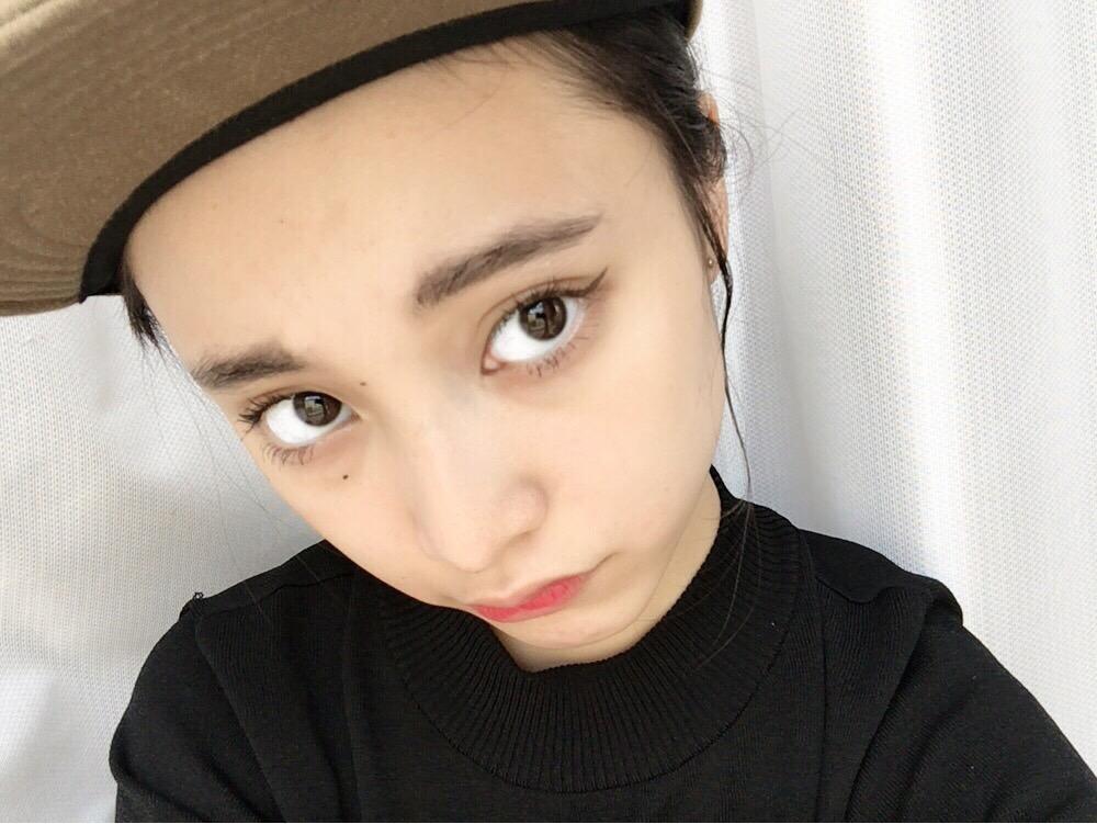 女子高生モデル、山田愛菜の愛用コスメやメイク方法を徹底調査♡