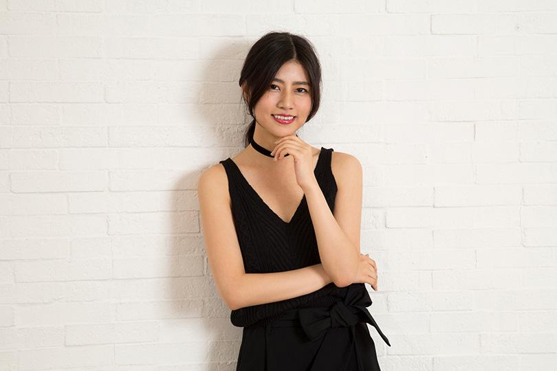 黒い衣装の阿部マリアさん