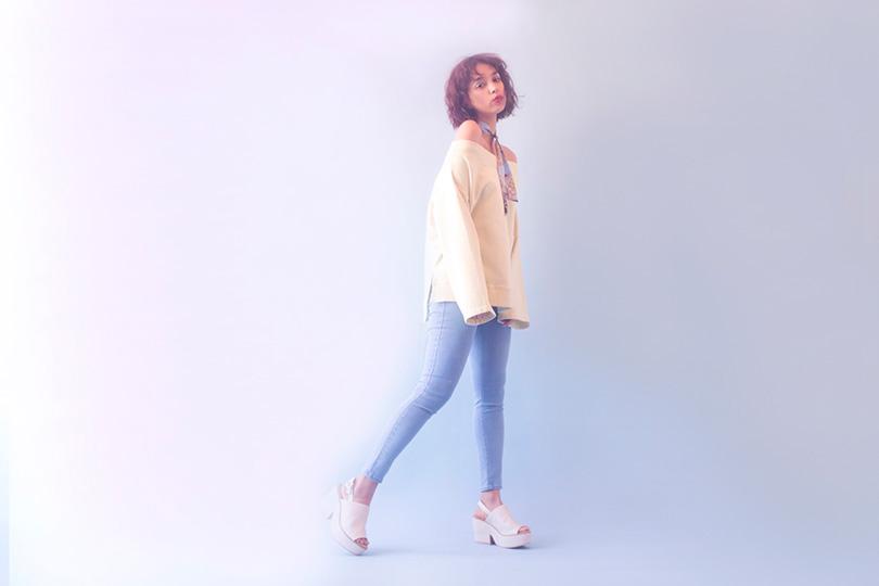 トレンド要素たっぷり♡ モーガン茉愛羅が着るオフショルトップス