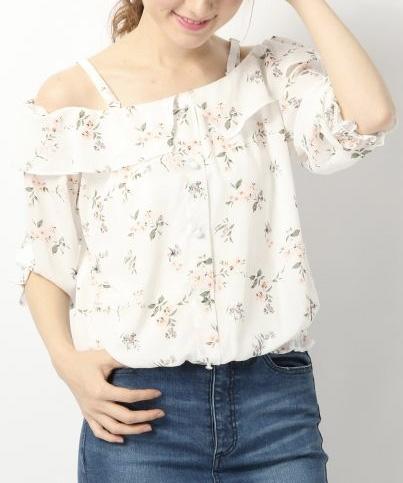 スキッパー*フリルシャツ ¥4,212