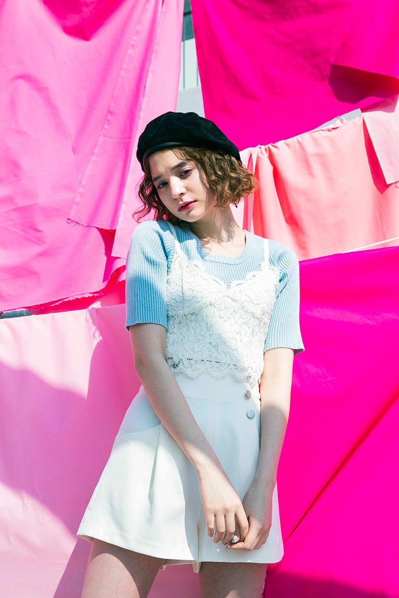 瑛茉ジャスミンが着る、甘めビスチェとラメニットの鉄板3コーデ!?