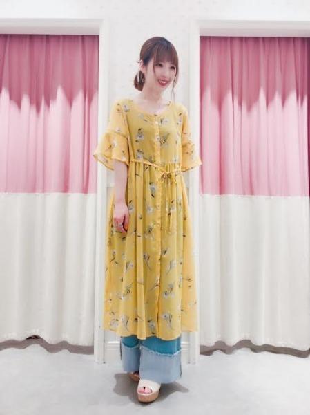 春夏コーデの主役としてもアクセントとしても使える♡新作花柄ガウン/ワンピースをヘザースタッフが着まわし