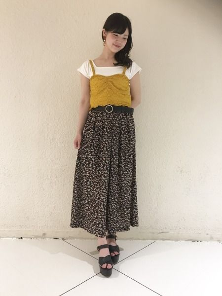 シフォン素材が夏にぴったり♡ヴィンテージライクな花柄が可愛い新作ワイドパンツをヘザースタッフが着まわし