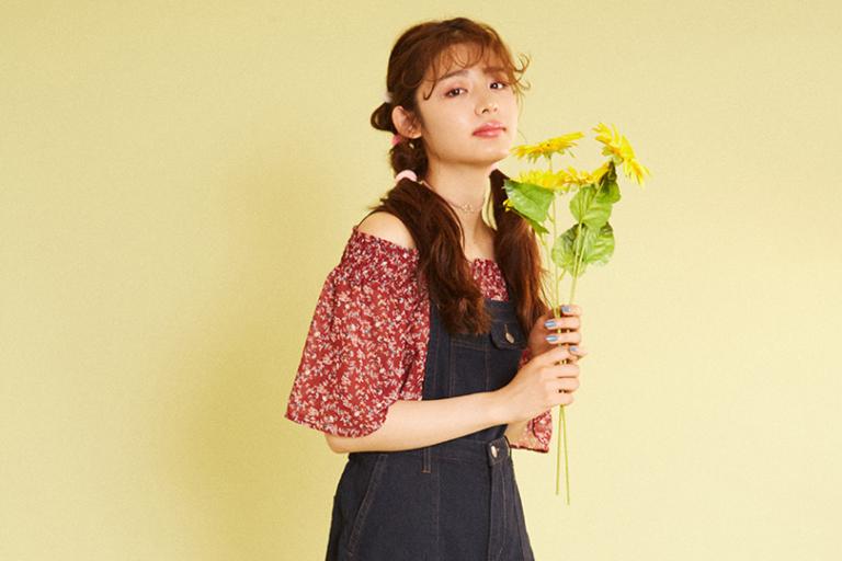 古畑星夏ちゃんがお手本♡新作花柄ブラウスでつくるレトロガーリースタイル