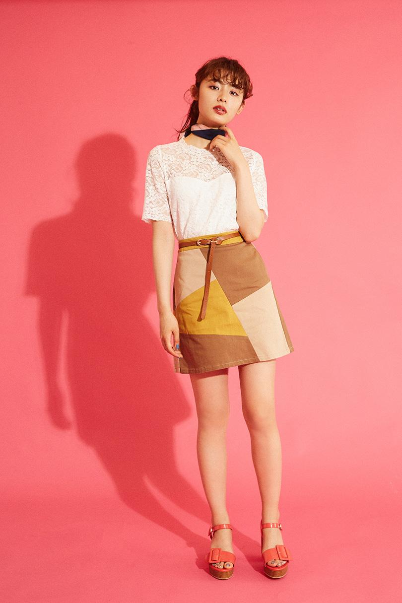 古畑星夏ちゃんがお手本♡リュクスな雰囲気のハイネックレースTEEを着まわし