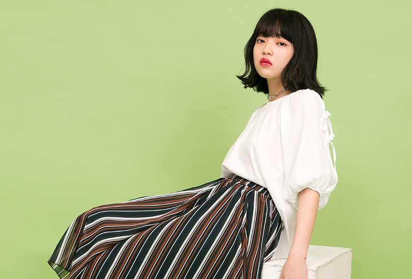 田中芽衣が全色見せ♡フェミニンだけどカジュアルに着こなせる新作袖リボンT