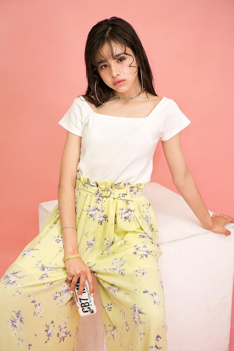 ハーヴィー瑛美がお手本♡ロマンティックな花柄スカンツでつくるガーリーサマースタイル