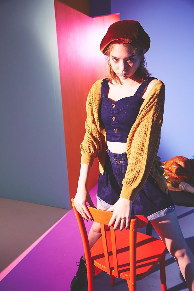瑛茉ジャスミンが着まわす秋ビスチェ。