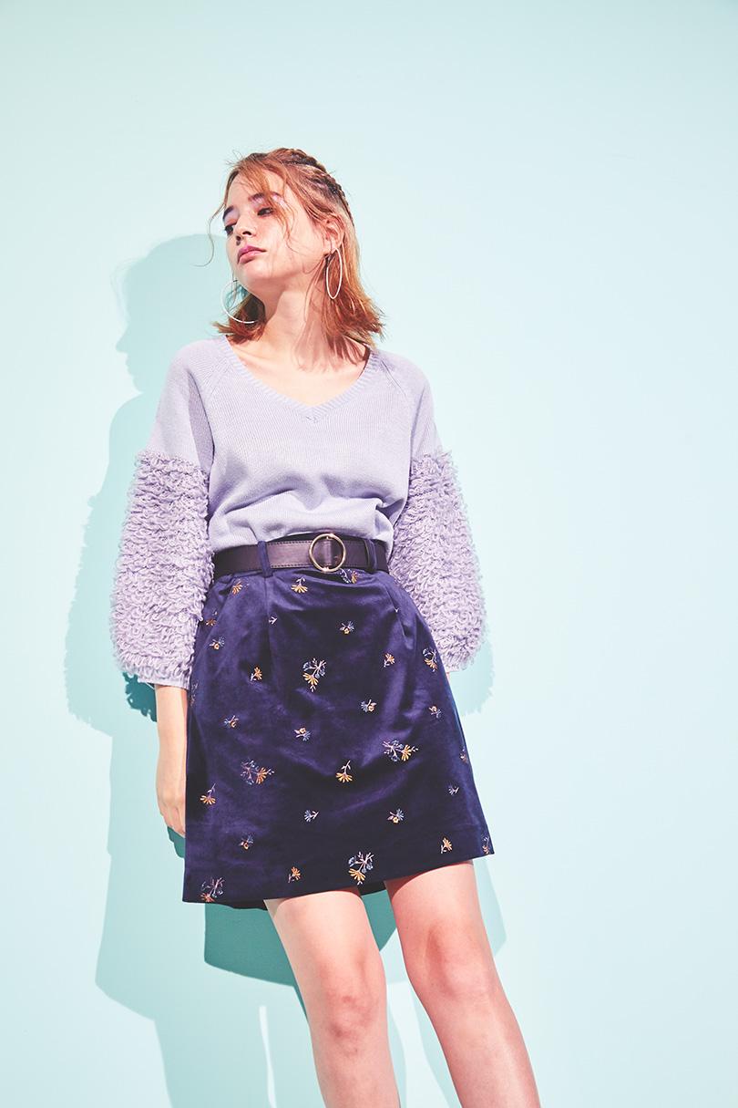 袖プードルニット×刺繍スカートで双子ルック