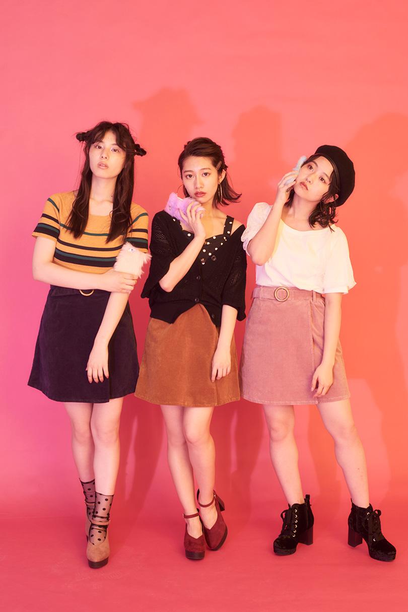 乃木坂46の3人が着こなす新作コーデュロイスカート♡
