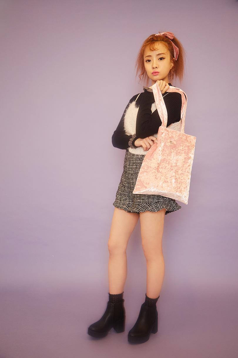期間限定ノベルティのベロアトートがアクセント♡ MELL・池上紗理依・濱田あおいが着こなす甘めカジュアル