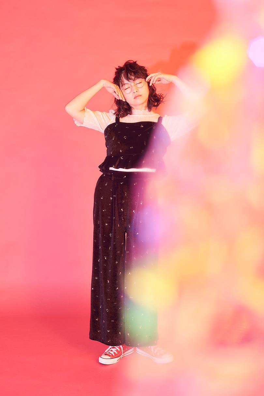 乃木坂46の3人が楽しむおそろコーデ♡新作ニット×刺繍スカート