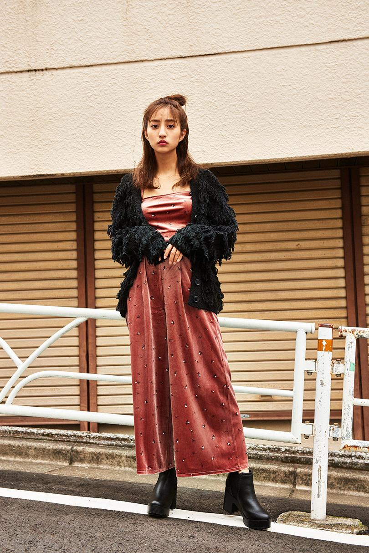 堀田茜が着こなす♡クラシカルな秋冬ムードにぴったりの注目黒ニット3種