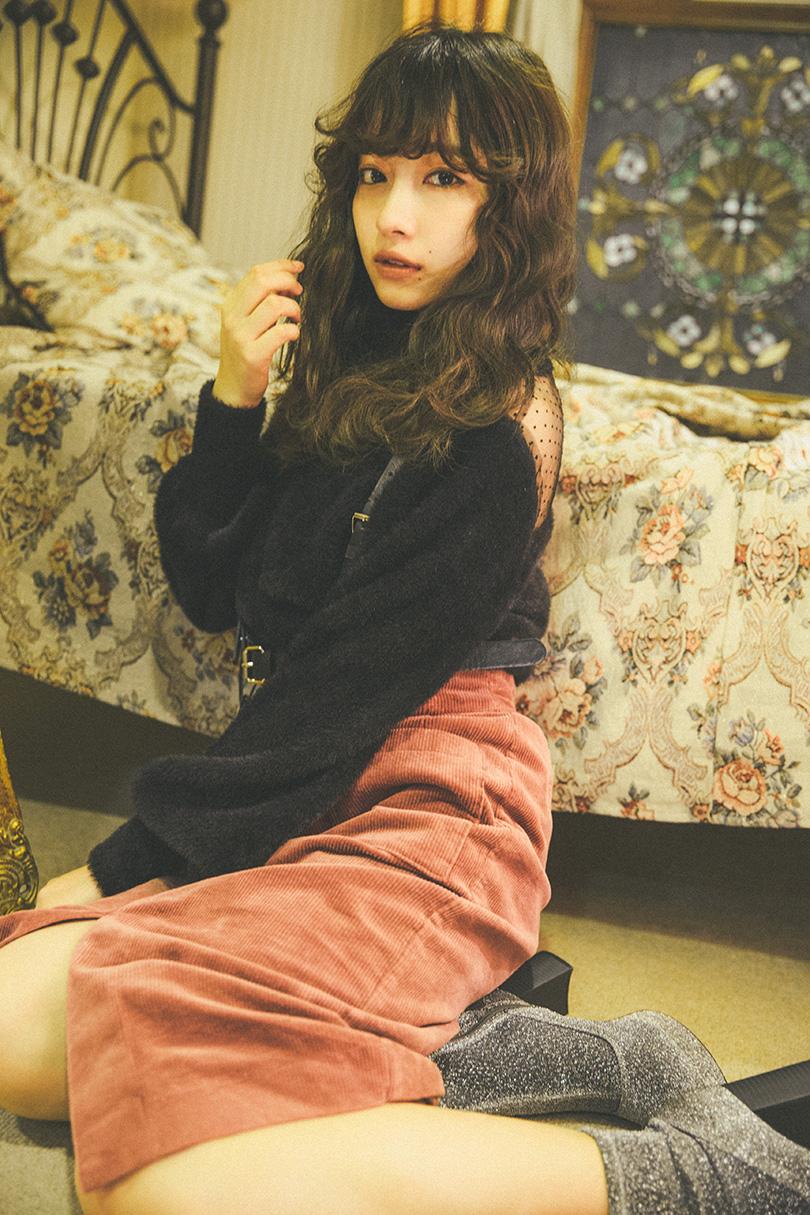 NMB48スペシャル連載 vol.02♡ 村瀬紗英のBAG&ポーチの中身を大公開!
