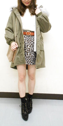 バルーン袖×BIGファーが可愛い♡新作モッズコートでつくる甘辛コーデ