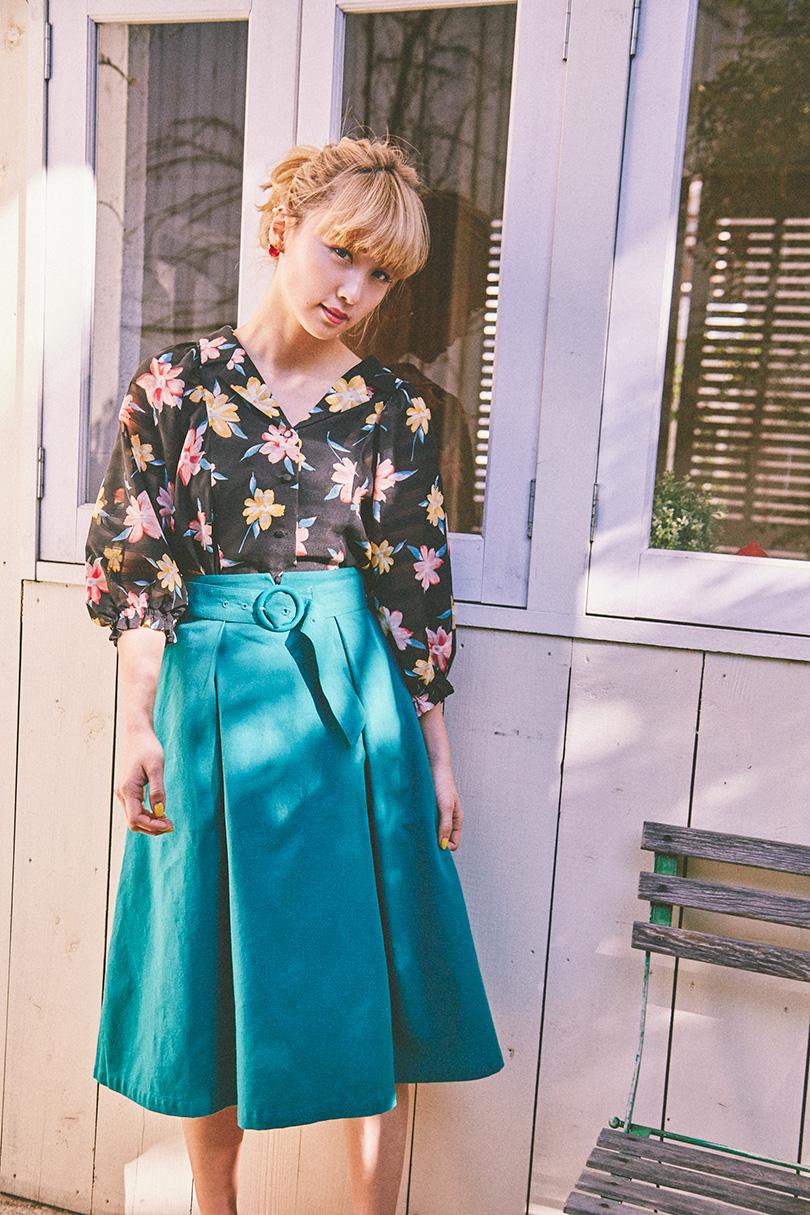 Dream Amiが着まわす♡ レトロガーリーな花柄ブラウス