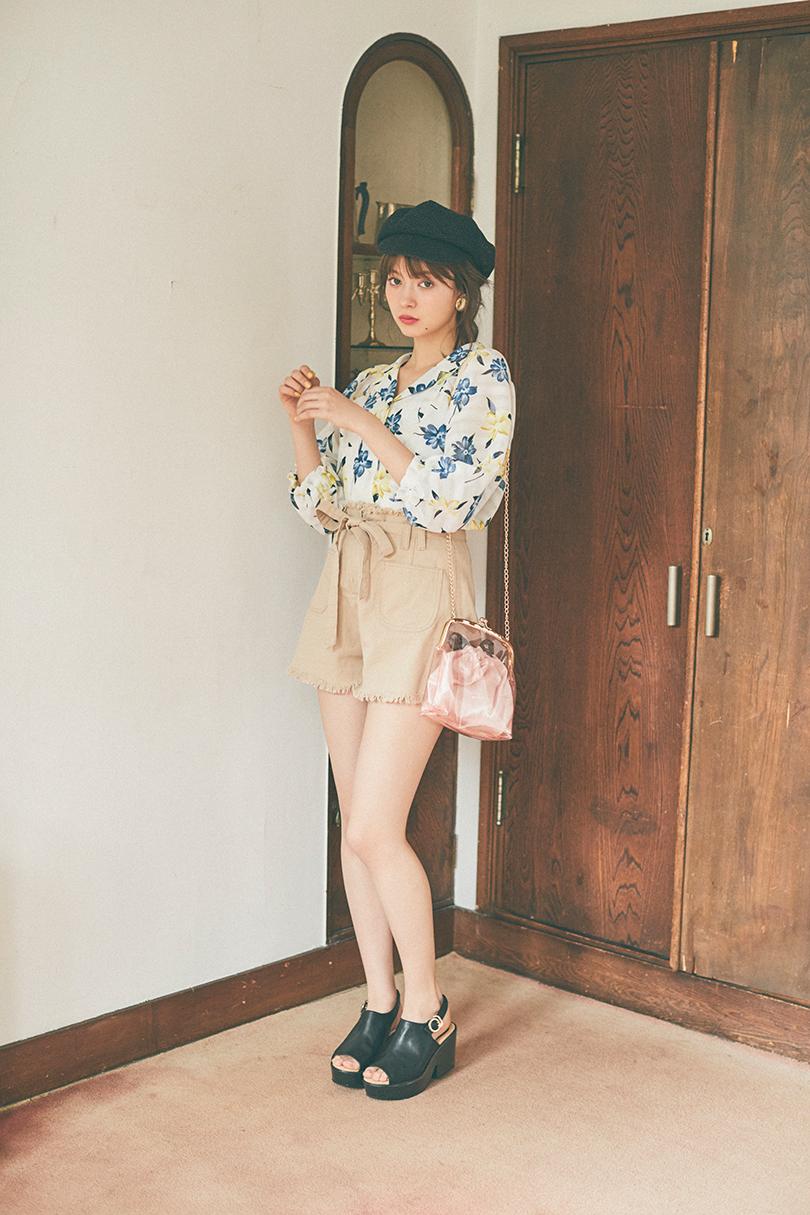 八木アリサvol.18♡  カイキンブラウスで夏を先取り!