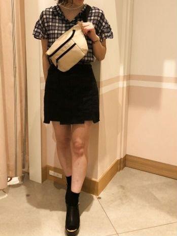 2018年注目のミニスカート!裾はダメージ加工でおしゃれ度UPを狙っちゃおう♡