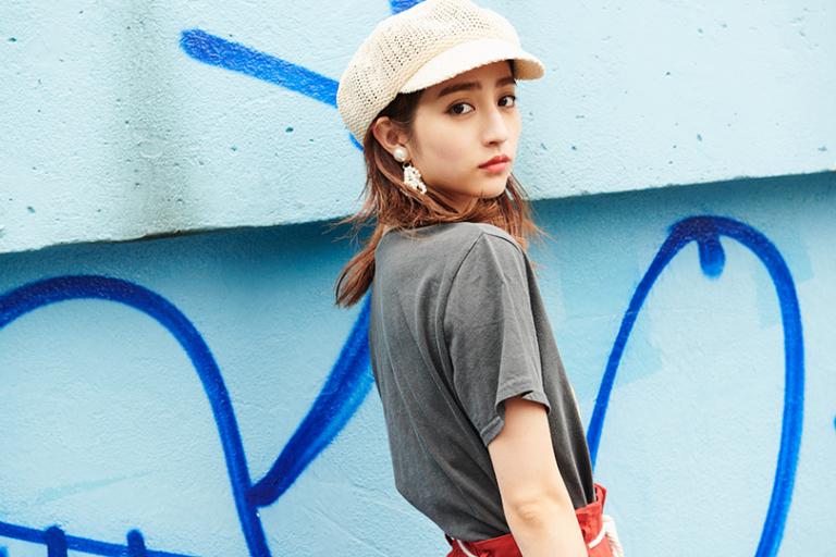 堀田茜が着こなす夏のストリートスタイル